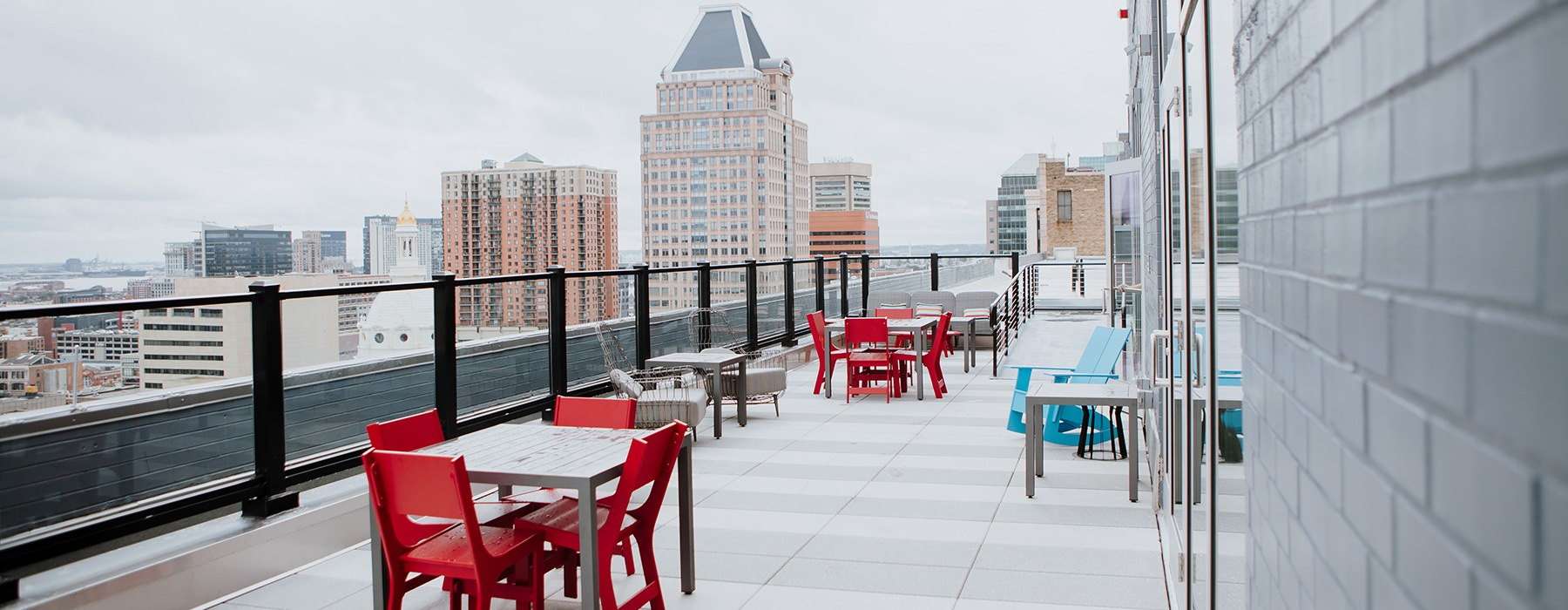Large rooftop terrace with a nice view of the city